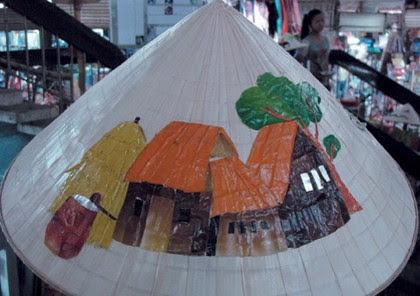 Chợ Đông Ba, gia vị cho nón lá Huế 4