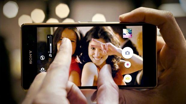 Khả năng tự động lấy nét kép của Sony Xperia M5