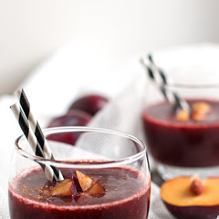 Healthy Cinnamon Plum Smoothie {Perfect Holiday Detox Recipe}