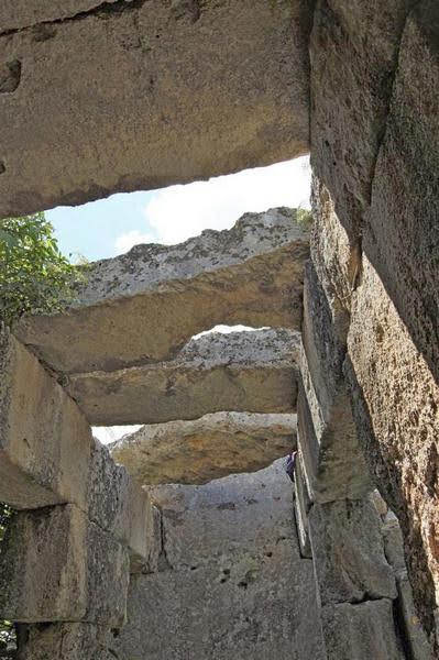 cisterna San Basilio - particolare