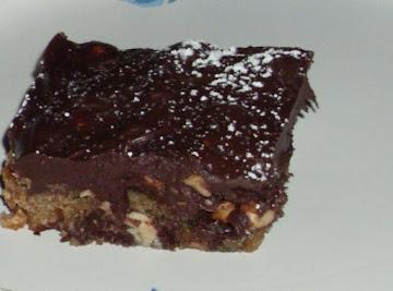 Snickers Chocolate Chip Peanut Bars Recipe