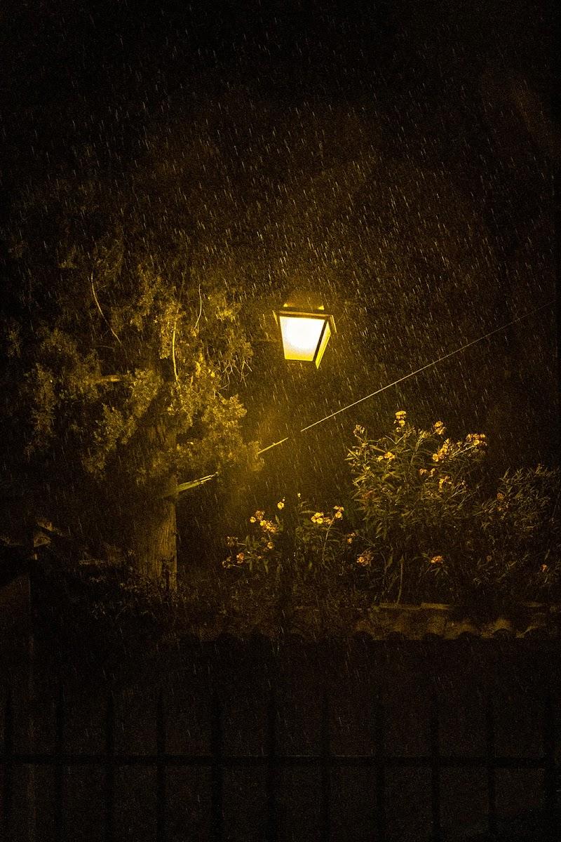 Era una notte buia e tempestosa... di Jiggly