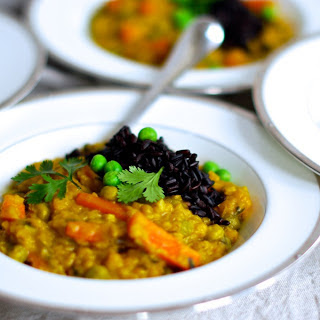 Red Lentil Dal With Carrots and Peas [Vegan]