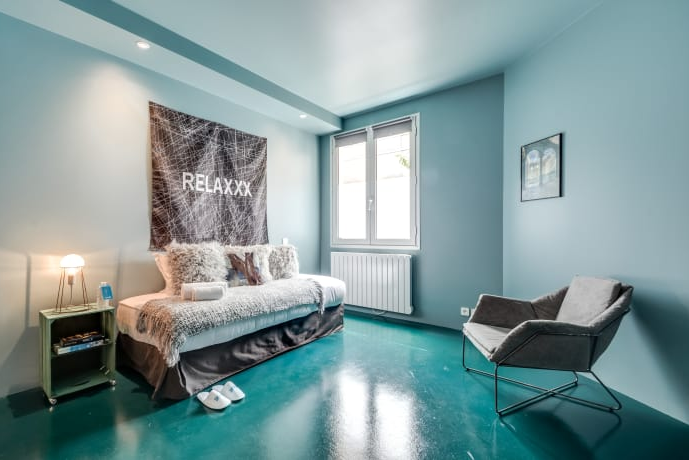 Cosy living space in Temple II Serviced Apartment, Marais