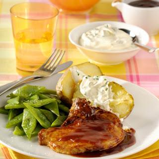 Zoet-pittige Karbonades Met Gepofte Aardappelen En Snijbonen