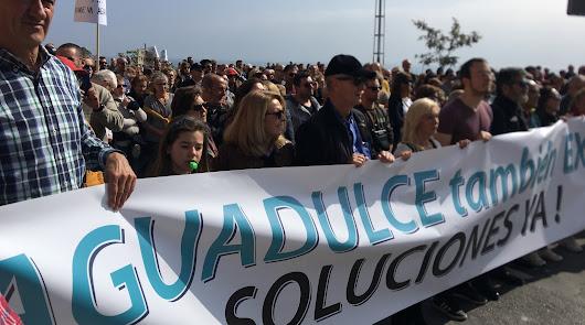 """Más de 1.000 personas exigen """"soluciones"""" al cierre de El Cañarete"""