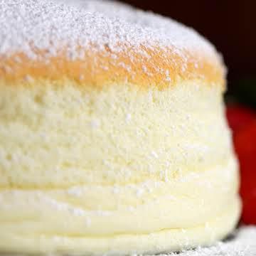 Fluffy Jiggly Japanese Cheesecake