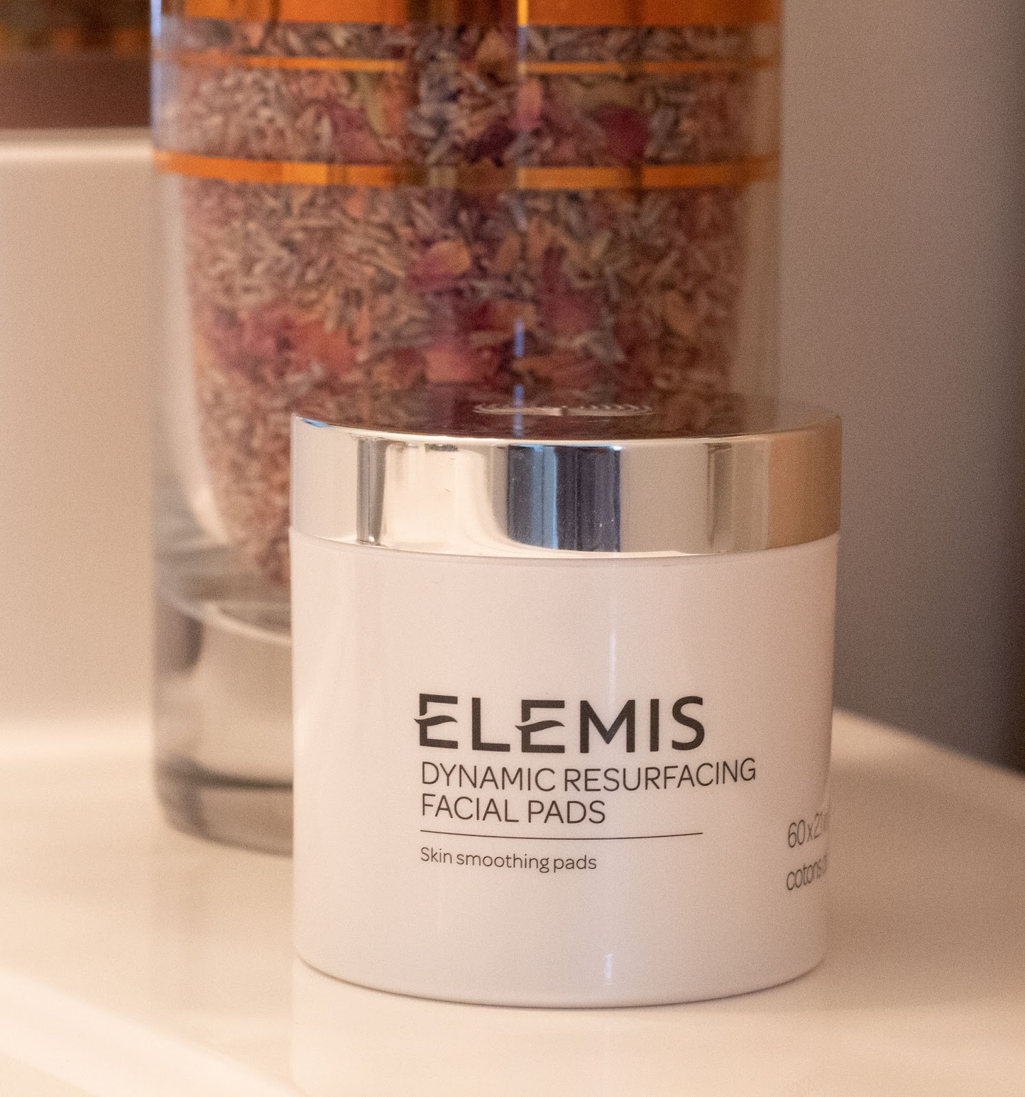 ELEMIS Skin Care Product Review - Dynamic Resurfacing Facial Pads - Patience & Pearls