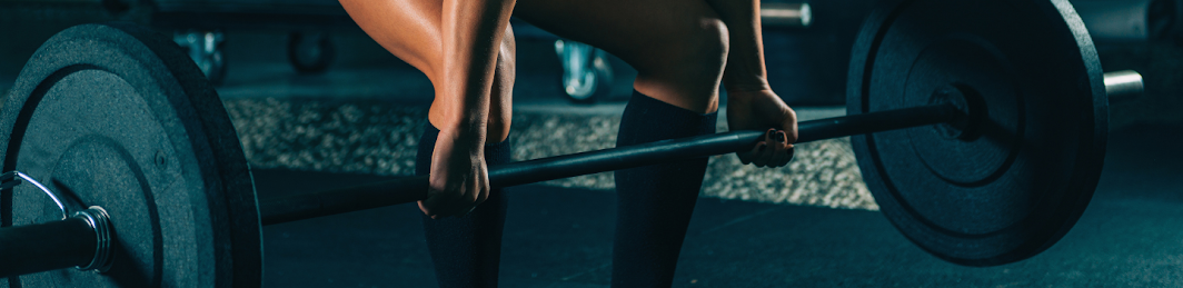 Deadlift starting position with barbell