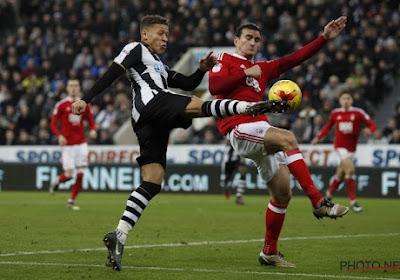 Newcastle United springt naar de leiding in de Championship