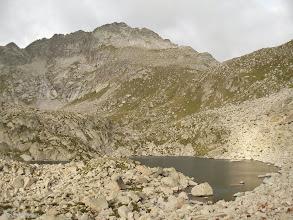 Photo: Estany de Peguera, collado de Monestero y pico de Peguera