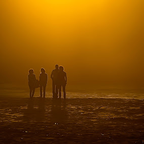 AT the Sunset by Eugénio Buchinho - People Family