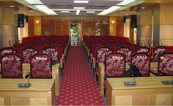 Chú ý chọn tông màu ghế tương phản với không gian hội trường