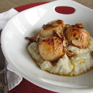 Scallops with Golden Almonds