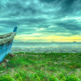 Abandonment by Edwin Ng - Landscapes Beaches ( pantai, sunset, sampan, malaysia, beach, boat, jeram )