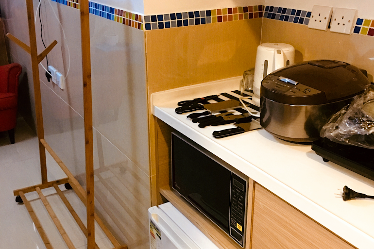 Fully equipped kitchen at Paterson Street studio Apartments