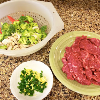 Flank Steak Stir-Fry with Asparagus and Red Pepper