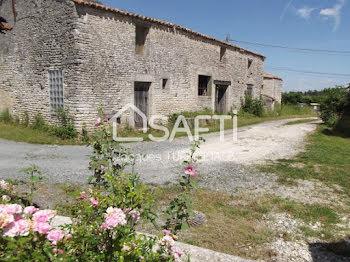 maison à Aumagne (17)