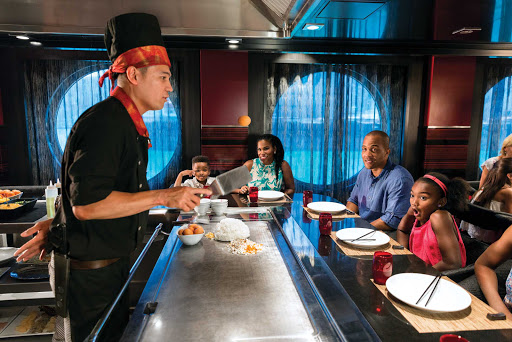 Harmony-of-the-Seas-izumi.jpg - Watch chefs prepare sushi and other Japanese fare at Izumi on Harmony of the Seas.