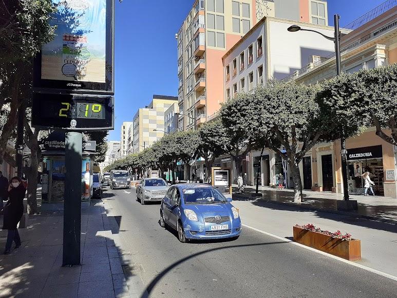 La jornada matinal en el Paseo de Almería.