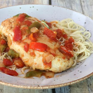 Skillet Chicken With Tomatoes and Italian Seasonings