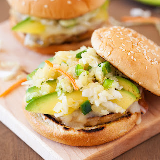 {Giveaway} Alaskan Pollock Burgers with Pineapple and Jalapeño Slaw