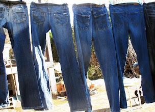 Photo: Blue jeans på snor