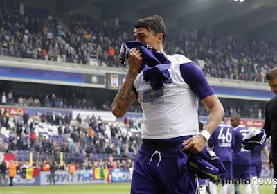 📷 Mati Suarez is Anderlecht nog steeds niet vergeten, zo laat zijn zoontje zien