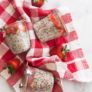 5-Ingredient Quinoa Breakfast Pots