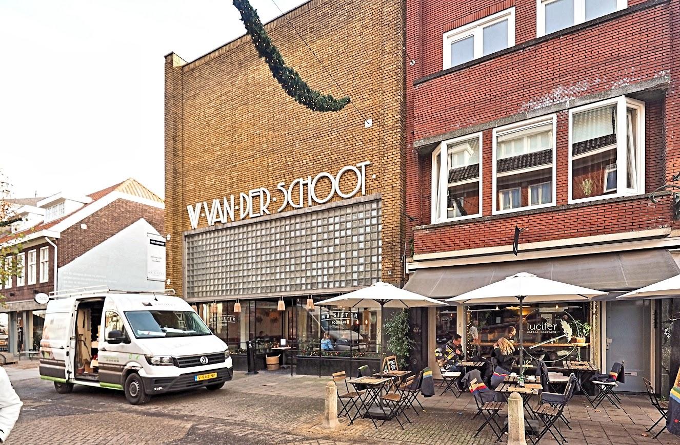 Aangeboden door: Stichting Microtoerisme InZicht Fotoblog Eindhoven IJzerwaren winkel Schoot