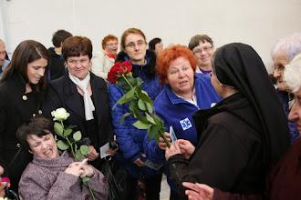 Photo: Ruže potom dostali naši chorí.