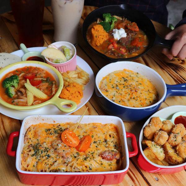 超隱密的異國料理,貓的法平價小餐館,小巷內的庭園餐館,真材實料用心的美味料理!