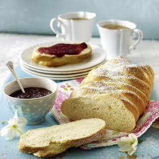 Swedish Cardamom Bread (Vetebröd).