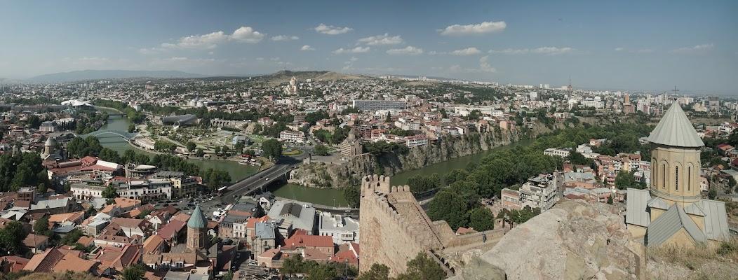 Blick von der Festung Narikala über Tifils.