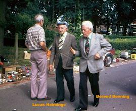 Photo: Lucas Heiminge en Berend Beening naar de braderie