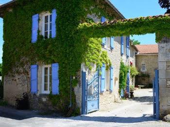 maison à Saint-Amant-de-Bonnieure (16)