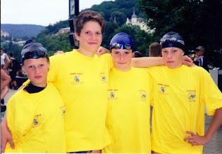 Photo: Karlovarská štafeta děvčat. Zleva: Martina, Šárka, Štěpánka, Eva.