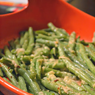 Spicy Garlic Parmesan Roasted Green Beans