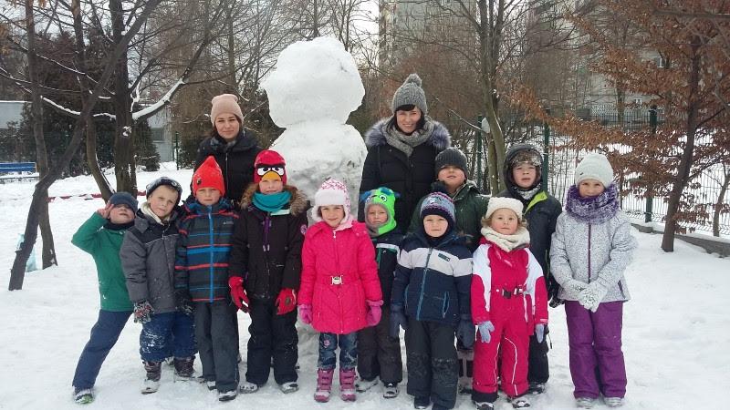 Żabki: zabawy na śniegu