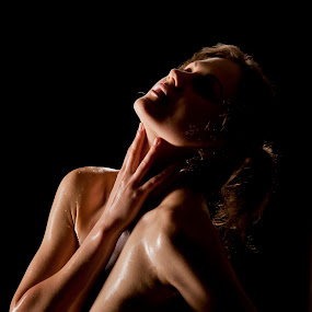 by Tony Wadham - Nudes & Boudoir Artistic Nude