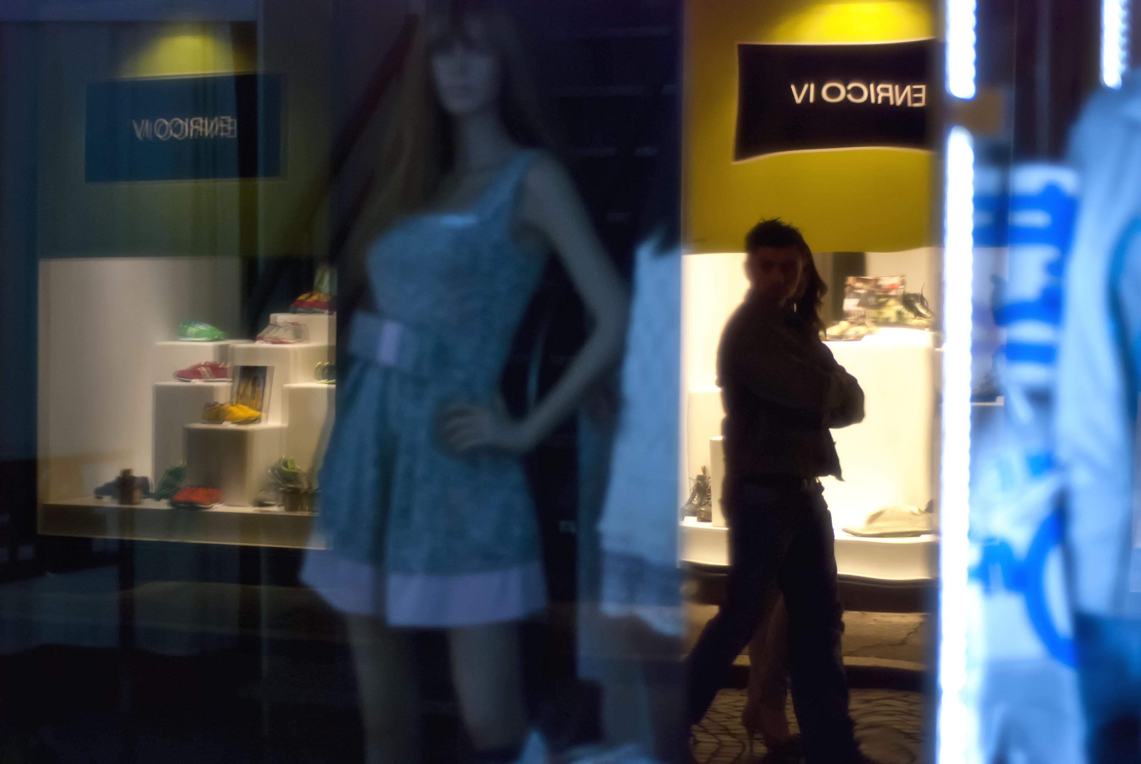 Shopping Notturno di GazzolaFrancesco