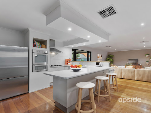 Photo of property at 5 Cooinda Court, Frankston South 3199