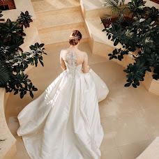 Wedding photographer Elena Strela (arrow). Photo of 06.09.2018