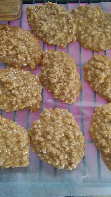 Butter toffee oatmeal no bake cookies