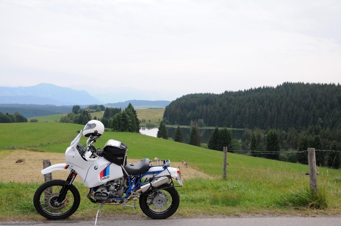 Reiseenduro von SWT-SPORTS mit große HPN TANK