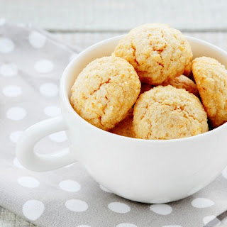 Cornmeal and Coconut Cookies