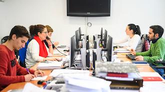 Parte del equipo de ADDINGestión en sus oficinas.