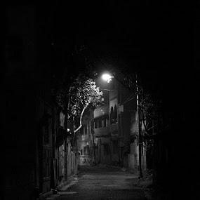 by Shivalkar Jha - City,  Street & Park  Street Scenes