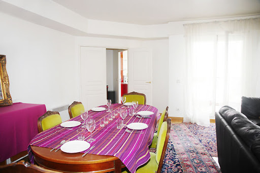 Dining area at 4 bedroom Apartment in Opera with Balcony