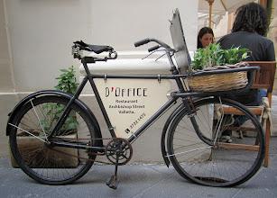 Photo: 406 La Valette, vélo publicitaire